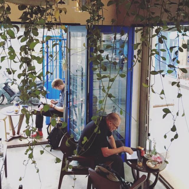 Các quán coffee ẩn mình giữa lòng Sài Gòn ồn ã