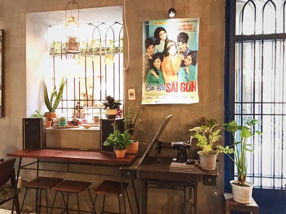 Những quán cafe ẩn mình giữa lòng HCM tấp nập