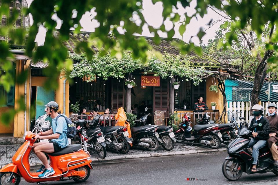 Những quán cà phê cổ xưa rất đẹp ở phố cổ Hội An