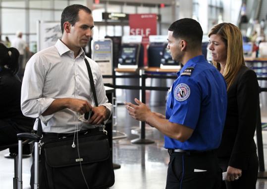 Mọi bí kíp cho người đi bằng ngành hàng không